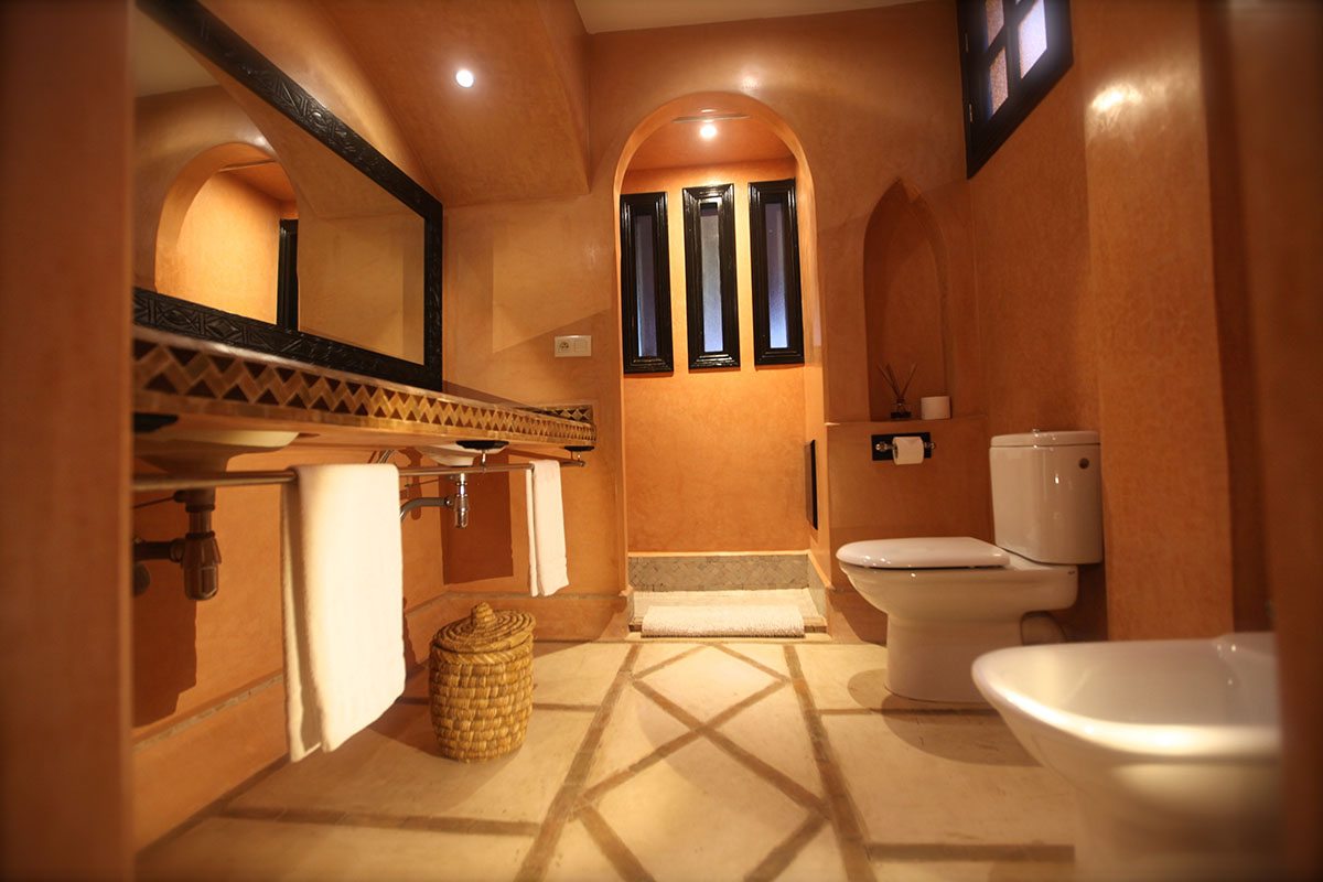 https://www.riad-dar-haven.com/wp-content/uploads/2015/05/MErzougaSDBtoilet.jpg